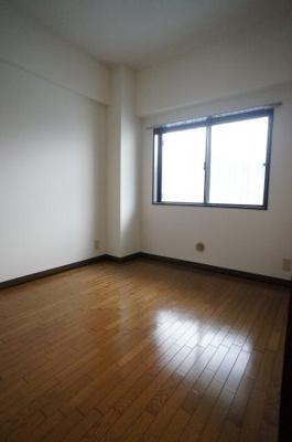 北側洋室です。