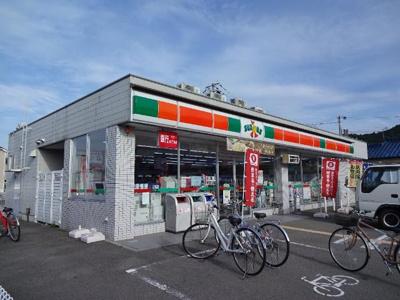 サンクスたつの山津屋店(コンビニ)まで440m