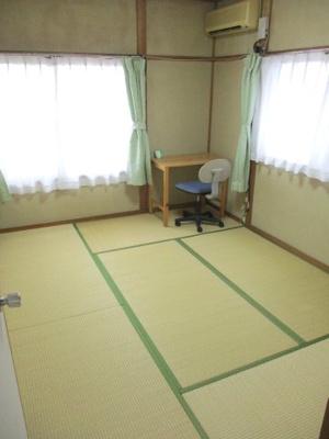 畳も使用感が少なく、お家自体を丁寧にお使いです。