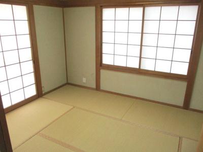 1階和室。客人の寝泊まりに役立ちます。