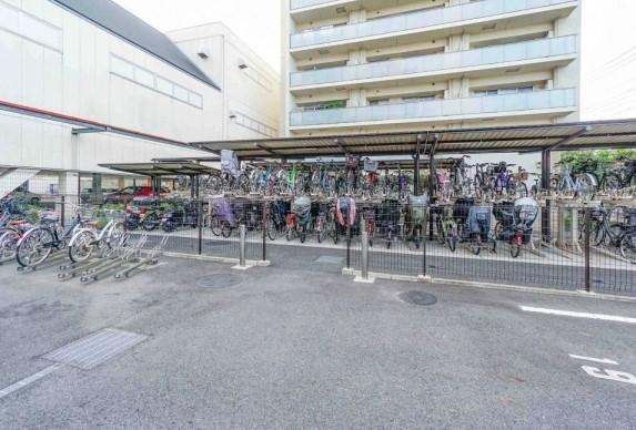 新小岩パークフロントパークテラスの駐輪場です。