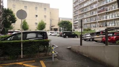 【駐車場】山科南団地E棟