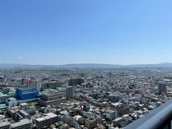 【眺望】東向きバルコニーからの眺望!都市を一望できる32階からの眺望です☆
