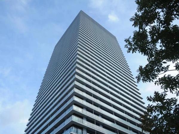 【外観】JR東海道本線「高槻」駅徒歩4分の好立地!地上41階建てタワーレジデンスです♪