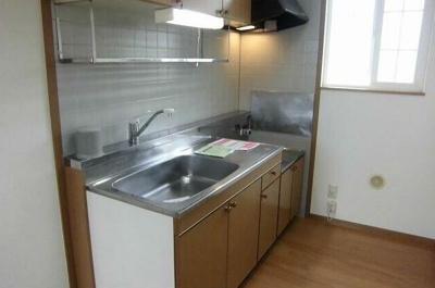 ガスコンロ設置可のキッチンです。