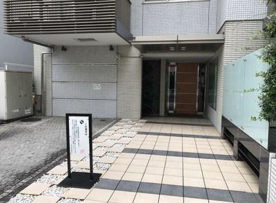 【エントランス】グランスイート神宮前