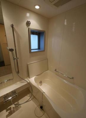 【浴室】グランスイート神宮前