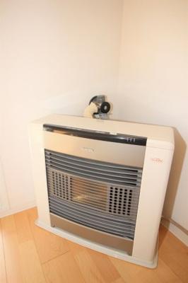 プロパンガス暖房です。