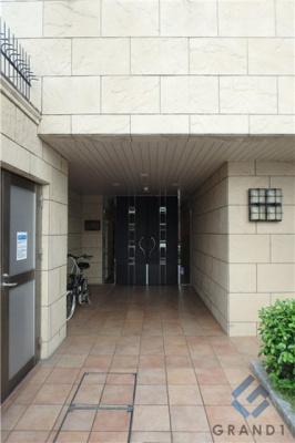 【エントランス】エス・キュート平野町