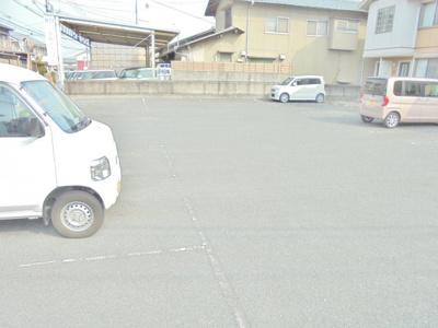 【駐車場】ヴェルセⅡ A棟