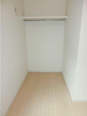 洋室内の収納スペースです。