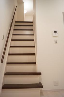 階段式のためロフトへの上り降りも安心です