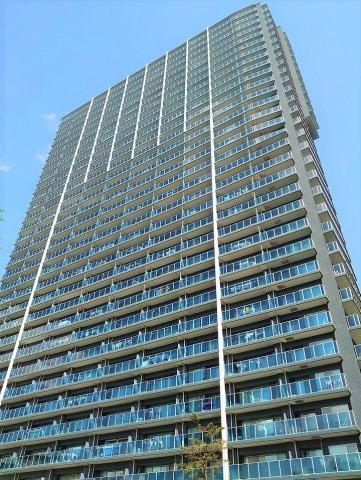 総戸数718戸のビッグコミュニティ タワー棟30階につき眺望・通風良好 住宅ローン控除適合物件