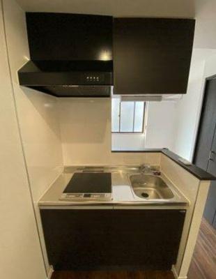 キッチンはIHクッキングヒーターが設置されております。