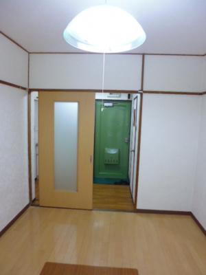 【居間・リビング】レディースハイツ西ノ京