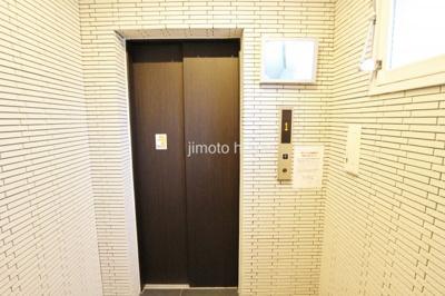 エレベーターモニター付き
