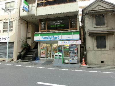 ファミリーマート日本橋人形町三丁目店(104m)