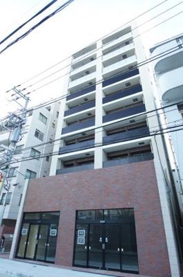 JR石川町駅徒歩5分の駅近マンションです。
