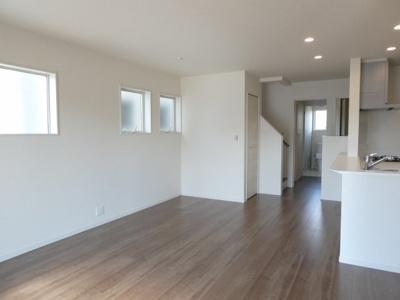 碧南市伊勢町2丁目新築分譲住宅写真です。2021年9月撮影