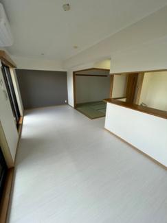 【居間・リビング】日神パレステージ弘明寺 リフォーム済マンション 3LDK