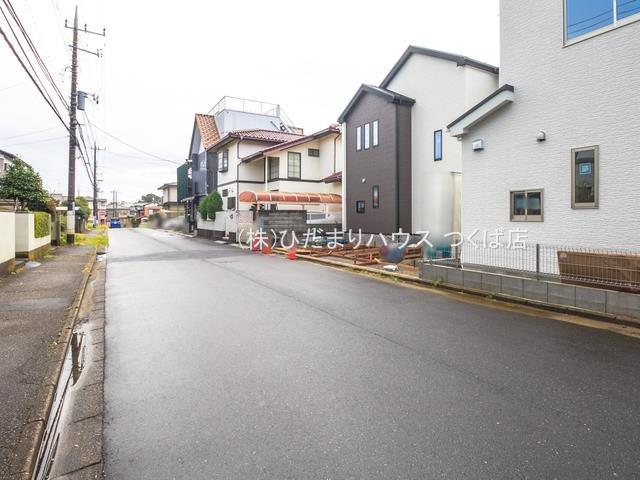【前面道路含む現地写真】取手市井野台12期 新築戸建 2号棟