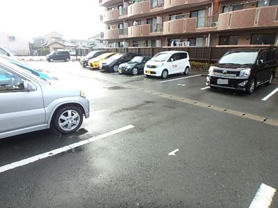 【駐車場】長屋マンション