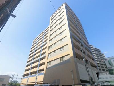 総戸数54戸、2001年5月築、管理人は日勤勤務につき管理体制良好です♪