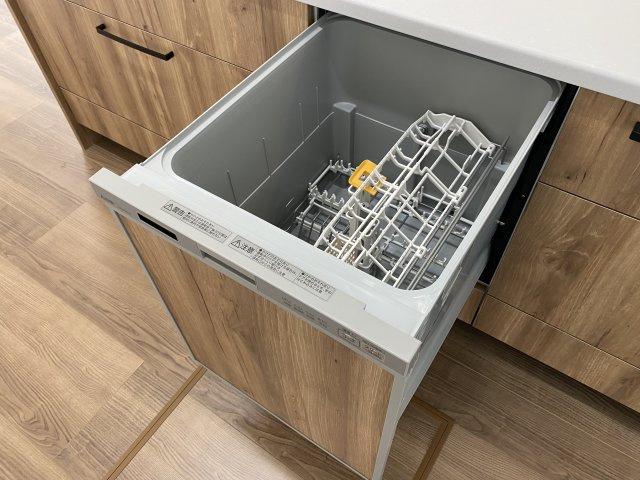 オール電化は空気も汚れず、IHキッチンでお掃除もラクラク!汚れてもサッと拭くだけでキレイに※イメージ