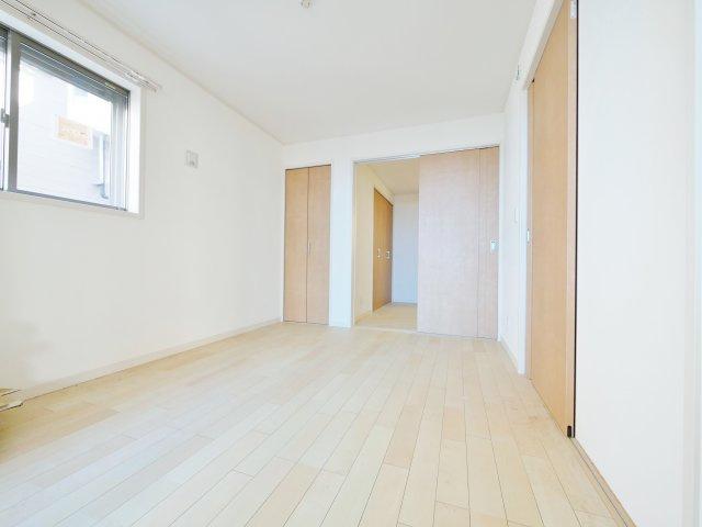 1階6帖洋室2部屋はスライドウォールにてフレキシブルに仕切れます