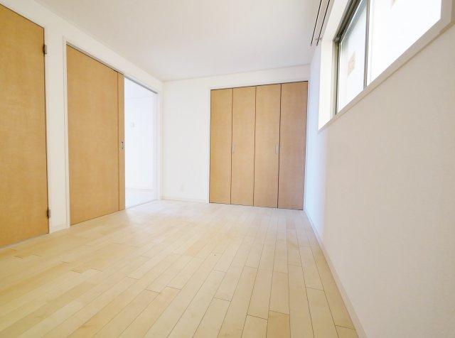1階6帖洋室2部屋はスライドウォールにてフレキシブルに仕切れます1階6帖洋室2部屋はスライドウォール