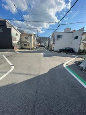 2Fの洋室部分は南側からの日差しがよく差し込みますので、日中も日当たり良好です。