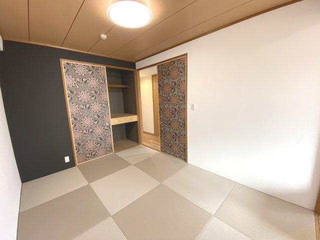 約6畳の和室+押入付き!