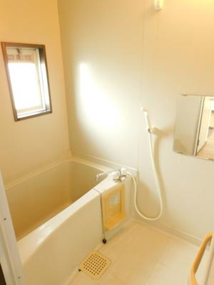 【浴室】メゾネットタカギB