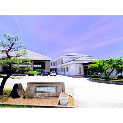 中学校「長野市立篠ノ井西中学校まで1473m」