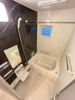 【浴室】ラコンフィアンス明石