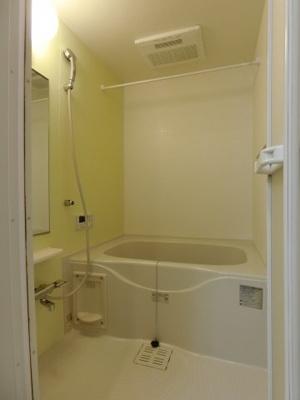 【浴室】ブライト スクエアⅢ B