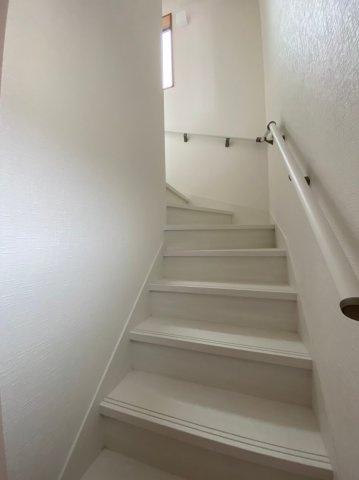 ~室内写真~2Fへ続く階段です。