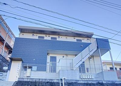 京急本線「弘明寺」駅より徒歩9分のアパートです