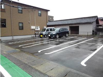 【駐車場】スプリング ハウス