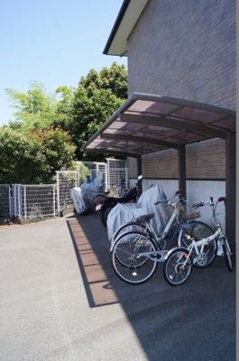 「屋根付きの駐輪スペース」