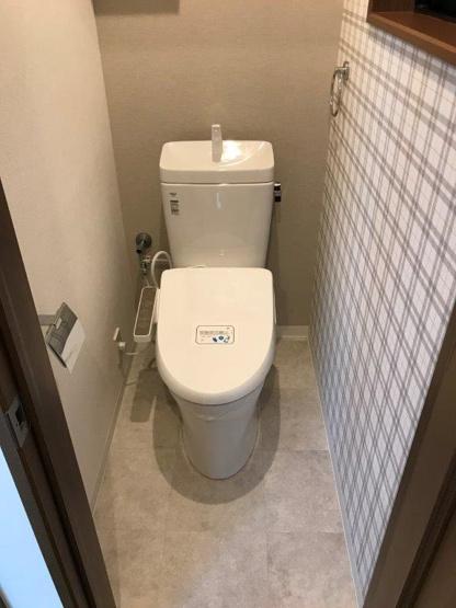 トイレはリフォーム済の新品んあので、気持ち良くお使いいただけます。 嬉しい温水洗浄便座!!