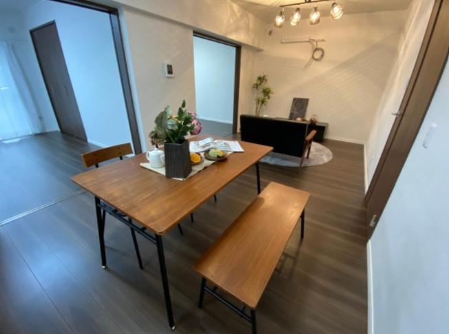 ダイニング ※設置されているインテリア家具はディスプレイ用になります。
