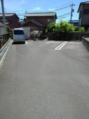 【駐車場】ファミ-ルウツベ Ⅲ