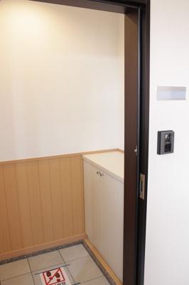 【玄関】ノースヒルオオギミ