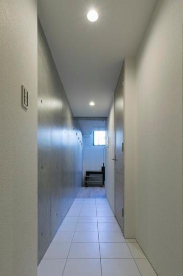玄関から室内への廊下部