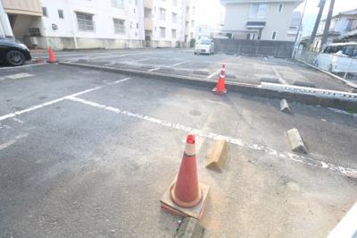 【駐車場】コーポ中臣