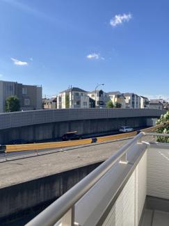 【前面道路含む現地写真】板橋区四葉 新築戸建て
