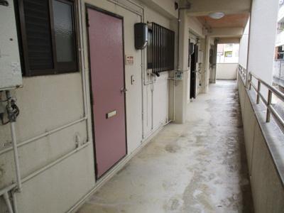 【玄関】ガーデンハイツB棟