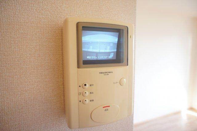 TVドアホン付きで外の様子がわかります
