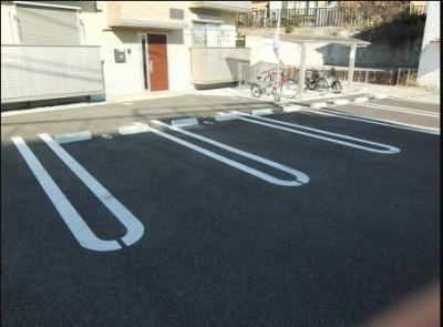 ネット無料。駐車場完備です